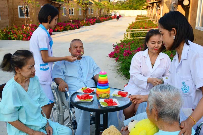 บริการดูแล<br>ผู้สูงอายุ ผู้ป่วย